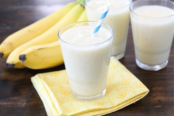 pineapple-coconut-banana-smoothie